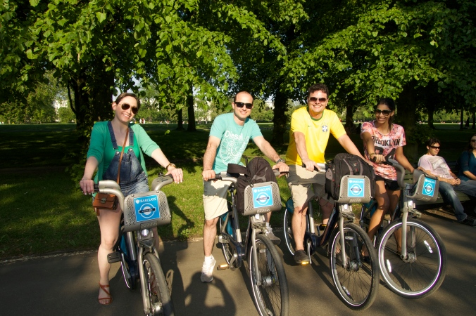 Lili, Fer, Dada e Eu no Regent's Park com as bikes!!